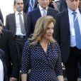 François Hollande et sa compagne Valérie Trierweiler lors d'une visite officielle à Tunis, le 4 juillet 2013 avant d'aller à la rencontre d'étudiants au lycée français Gustave-Flaubert