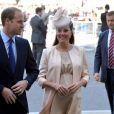 Le prince William et Kate Middleton, enceinte, à l'abbaye de Westminster le 4 juin 2013 pour les 60 ans du couronnement d'Elizabeth II.