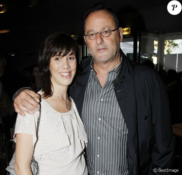 EXCLUSIF - Jean Reno et sa fille, aînée de la fratrie, Sandra Moreno à La Cigale en juillet 2011.