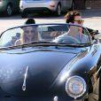 Adam Levine se balade en voiture avec sa petite amie Behati Prinsloo à Los Angeles, le 23 novembre 2012
