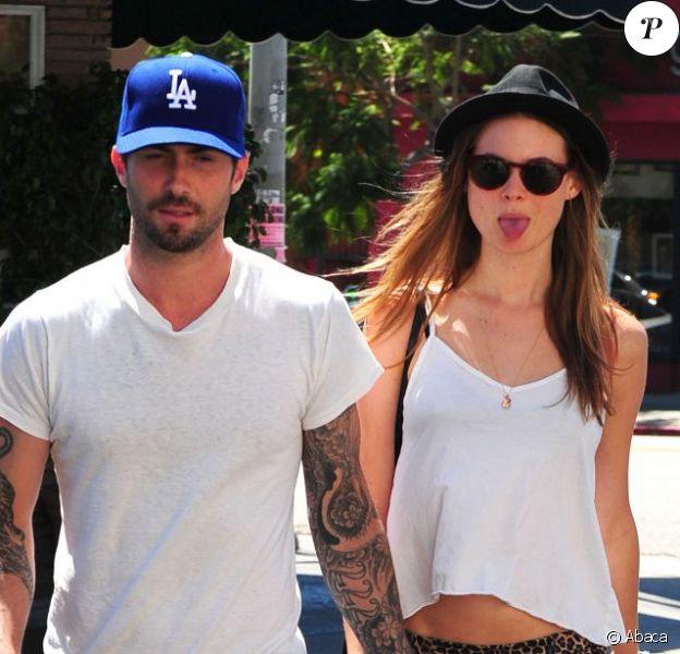 Adam Levine et sa petite amie Behati Prinsloo lors d'une virée à deux à L.A en septembre 2012