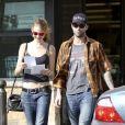 Adam Levine et sa petite amie Behati Prinsloo en octobre 2012