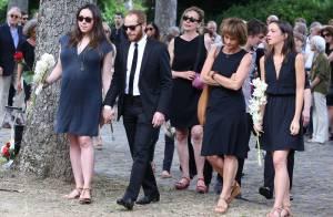 Obsèques de Sébastien Grall: Sa fille Déborah, Anthony Delon, unis dans la peine