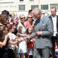 Le prince Charles en visite officielle avec son épouse la duchesse de Cornouailles à Chatham, dans le Kent, le 29 juillet 2013, pour l'inauguration d'un patronage du Prince's Trust.