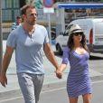 Eva Longoria et son petit ami Ernesto Arguello se promènent à Marbella, le 31 juillet 2013.