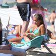 Sylvie van der Vaart profite de ses vacances sur la plage de Pampelonne à Saint-Tropez le ler août 2013