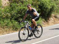 Nicolas Sarkozy : Look sportif pour le vacancier au coup de pédale implacable