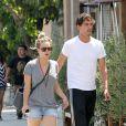 Kaley Cuoco et son nouvel amoureux, le joueur de tennis Ryan Sweeting, dans les rues de Los Angeles, le 3 août 2013