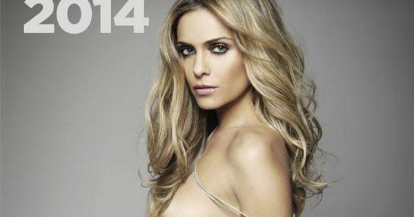 Clara morgane dedicace son calendrier 2013 aux salons du - Calendrier des salons ...