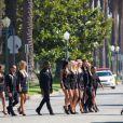 Nabilla en plein tournage de la saison 3 d'Hollywood Girls à Los Angeles, le 3 août 2013 - La bimbo brune affiche une cambrure indécente aux côtés des autres comédiens, Caroline Receveur, Shauna Sand, Marine Boudou, Kevin Miranda, Kamel, Sébastien Soudais et Nicolas Suret