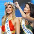 Alexandra Rosenfeld, Miss France 2006, a été couronnée Miss Europe 2006 par la belle Shermine Shahrivar, Miss Europe 2005.LE 27 octobre 2006 à Kiev.