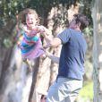 EXCLUSIVITE : Alexis Denisof en famille dans un parc de Los Angeles, le 10 août 2013.