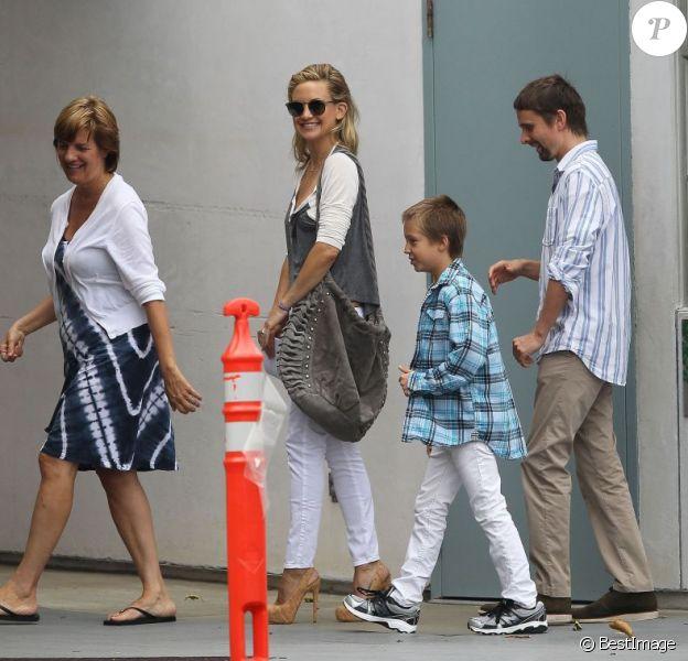 Kate Hudson et Matt Bellamy visitent la nouvelle école du fils de l'actrice, Ryder, à Santa Monica, le 2 août 2013.