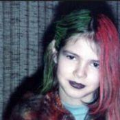 Saurez-vous reconnaître cette enfant gothique devenue star sexy des podiums ?