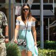 Exclusif - Adriana Lima va déjeuner avec ses filles Sienna et Valentina à Miami, le 13 aout 2013.