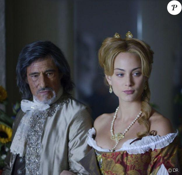 Nora Arnezeder et Gérard Lanvin dans la première image officielle du film Angélique.