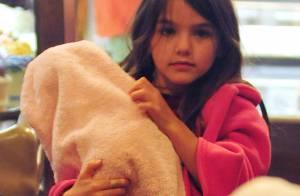 Suri Cruise blessée : La fille de Katie Holmes a le bras cassé !