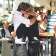 Kate Moss et son mari Jamie Hince à l'aéroport d'Heathrow. Londres, le 31 août 2013.