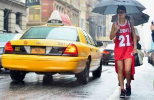 Rihanna : Ravissante sous la pluie à New York et ''Umbrella'' à la main