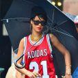 Rihanna se promène dans le quartier de SoHo à New York. Le 2 septembre 2013.