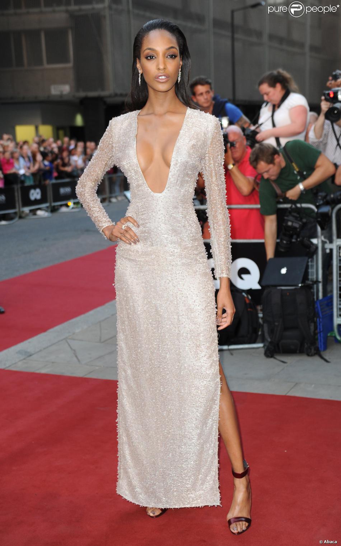 Le top model jordan dunn divine en robe hugo boss for Robe de mariage hugo boss