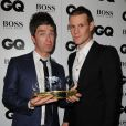 Noel Gallagher et son prix d'Icon lors des GQ Men of the Year Awards à la Royal Opera House. Londres, le 3 septembre 2013.