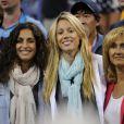 Xisca Perello, petite amie de Rafael Nadal, radieuse avec Isabel Nadal et Ana Maria Parera à l'US Open le 7 septembre 2013, ravies par la victoire de l'Espagnol en demi-finale face à Richard Gasquet.