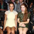 Charlotte Ronson et Holland Roden assistent au défilé Rachel Zoe printemps-été 2014 au Lincoln Center. New York, le 11 septembre 2013.