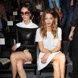 Nicole Trunfio et Katie Cassidy assistent au défilé Rachel Zoe printemps-été 2014 au Lincoln Center. New York, le 11 septembre 2013.