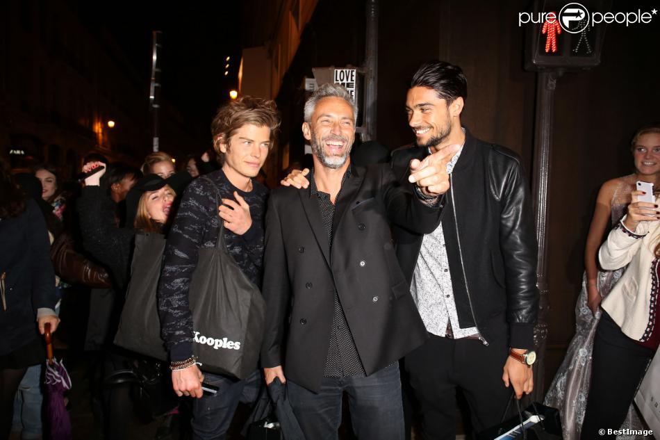 Gaultier, Ben et Julien de Secret Story 7 savourent leur nouvelle célébrité lors de la Vogue Fashion Night Out 2013. Paris, le 17 septembre 2013.