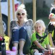 Gwen Stefani, enceinte, avec ses enfants Kingston et Zuma dans un parc à Santa Monica, le 15 septembre 2013.