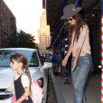 Katie Holmes et sa fille Suri Cruise à New York, le 20 septembre 2013.