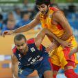 Tony Parker à la lutte lors de la demi-finale de l'EuroBasket à Ljubljana face à l'Espagne, le 20 septembre 2013
