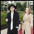 """EXCLUSIF - MARC VEYRAT ET SA COMPAGNE - ANNIVERSAIRE DE JOHNNY HALLYDAY POUR SES 67 ANS SUR LE """"PAQUEBOT"""" DES YACHTS DE PARIS - LE DINER ETAIT ORGANISE PAR LENOTRE ET LE GATEAU CONCU PAR GUY KRENZER 15/06/2010 - Paris"""