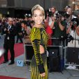 Rita Ora ose la robe à découpes sexy !