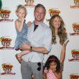 """Eric Dane, Rebecca Gayheart et leur fille Billie Dane au spectacle """"Disney Junior Live On Tour Pirate & Princess Adventure"""", à Los Angeles, le 29 septembre 2013."""
