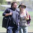 Exclusif - Jennie Garth et son nouveau compagnon Michael Shimbo regardent les filles de l'actrice jouer au football à Los Angeles. Le 8 septembre 2013.