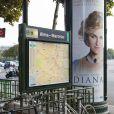 Une affiche du film Diana près du pont de l'Alma, le 30 septembre 2013.