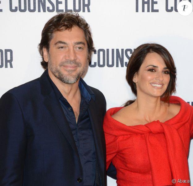 Penélope Cruz et Javier Bardem posent ensemble à l'occasion de la conférence de presse du film Cartel, à Londres, le samedi 5 octobre 2013.