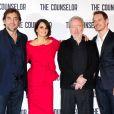 Penélope Cruz, Javier Bardem, Ridley Scott et Michael Fassbender réunis à l'occasion de la conférence de presse du film Cartel, à Londres, le samedi 5 octobre 2013.
