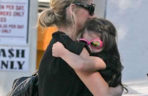 Sarah Michelle Gellar : Maman poule pendant que Freddie Prinze Jr se dénude !