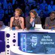 Natacha Polony mise sur un haut en dentelle dévoilant son soutien-gorge couleur chair dans On n'est pas couché sur France 2 le samedi 19 octobre 2013