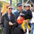 Miranda Kerr, Orlando Bloom et leur fils Flynn à New York, le 28 octobre 2013.
