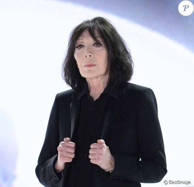 """Juliette Greco dans """"Vivement Dimanche"""" à Paris le 23 octobre 2013."""