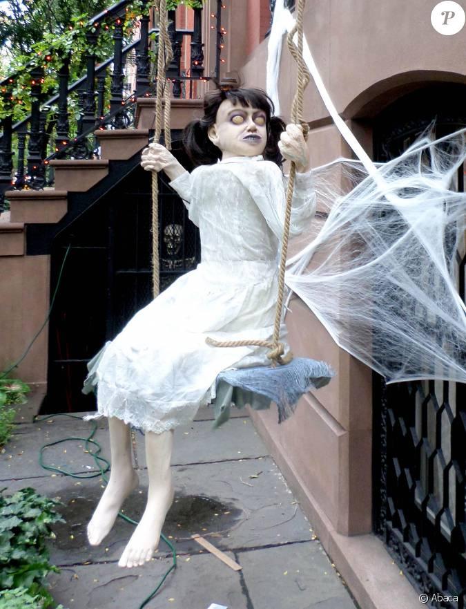 Liv tyler a mis le paquet niveau d co pour halloween - Comment decorer sa maison pour halloween ...