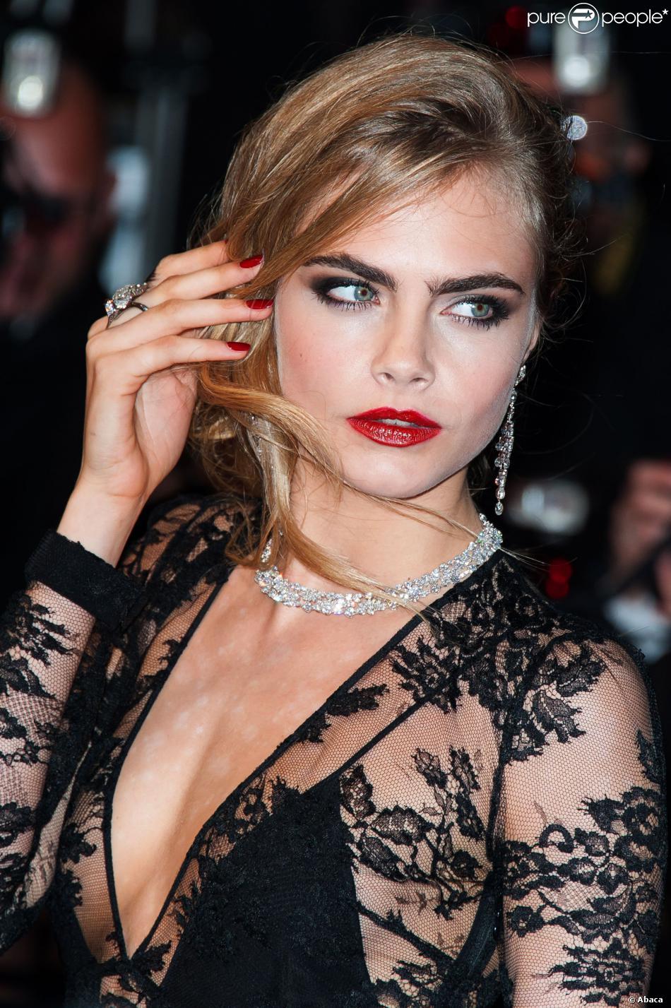 Les 5 tendances beauté phares de cet hiver 2013 : le sourcil épais comme Cara Delevingne