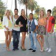 Caroline, Marine et Alison entourent Kevin, Kamel et Anthony dans Hollywood Girls 3