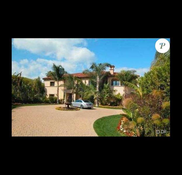 Khloe Kardashian a mis en vente la maison qu'elle partage avec son mari Lamar Odom, en Californie, pour 4 millions de dollars.