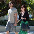Rumer Willis et son petit ami Jayson Blair passent la journée en amoureux sur une plage de Miami, le 8 novembre 2012.