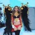 Behati Prinsloo lors du défilé Victoria's Secret 2013 à la 69th Regiment Armory. New York, le 13 novembre 2013.